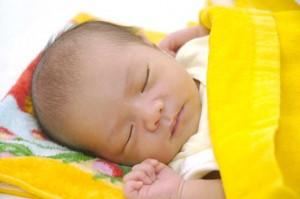 赤ちゃんがなかなか泣き止まないときの裏ワザ!
